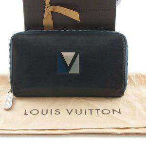 Louis Vuitton LV cup zippy wallet